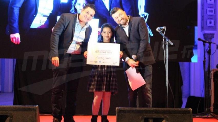 تتويج المواهب الشابة في مسابقة الغناء الكبرى