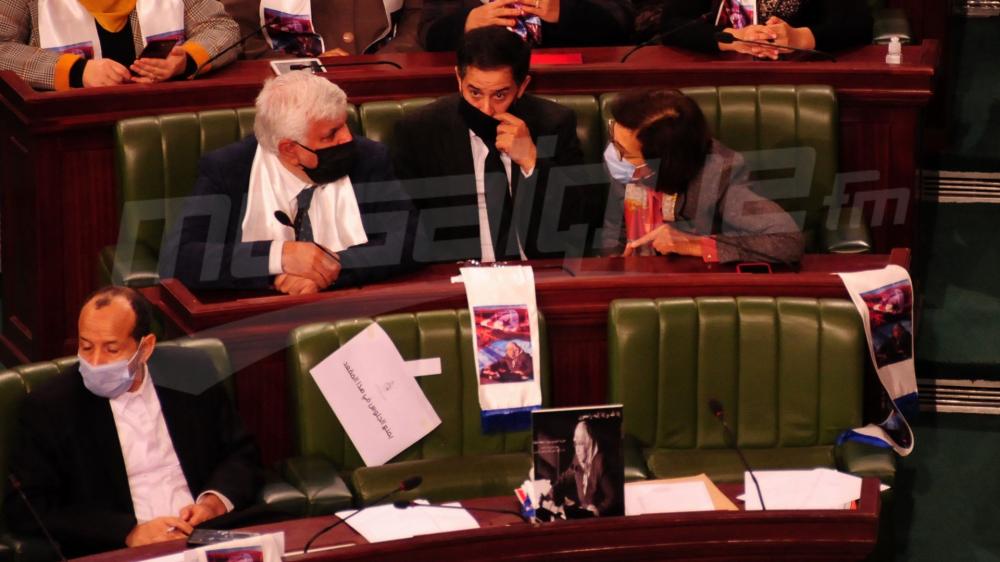 Les coulisses de la séance d'accord de confiance aux ministres proposés