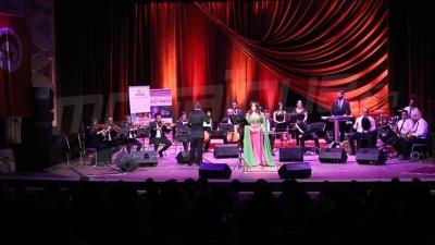 بإشراف دولة فلسطين : يسرى محنوش تغني لمرضى السرطان في المسرح البلدي