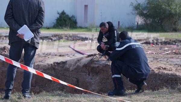 شفط المياه من الحفرة التي ابتعلت الشاب محمود