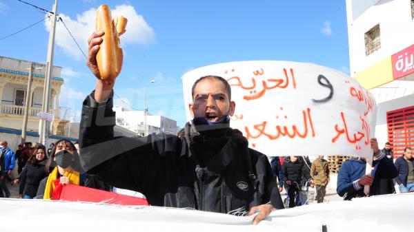 تزامنا مع جلسة منح الثقة: مسيرات ومظاهرات في العاصمة
