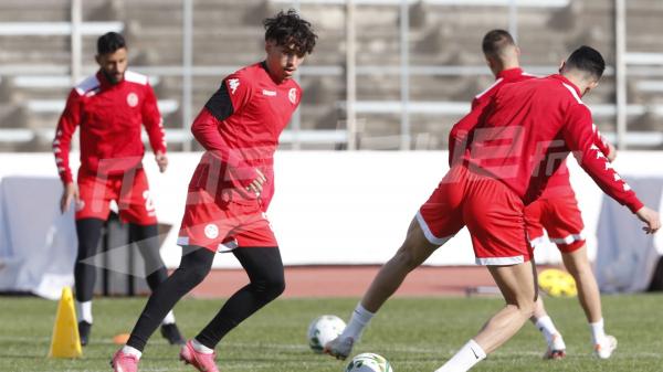 منتخب كرة القدم يواصل تحضيراته لمواجهة ليبيا