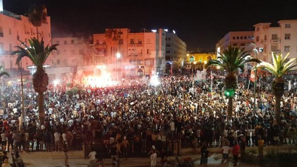 Les supporters du Club S.Sfaxien fêtent leur victoire en coupe de Tunisie