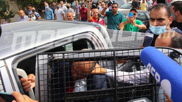 بعد رفع ''ديقاج'' في وجهه أمام المجلس: نقل القوماني في سيارة أمنية
