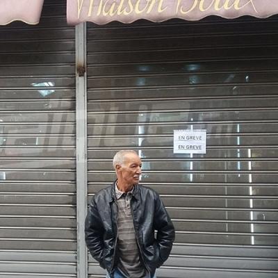 تجار الملابس الجاهزة وتجار الأحذية يعلقون نشاطهم بوسط العاصمة