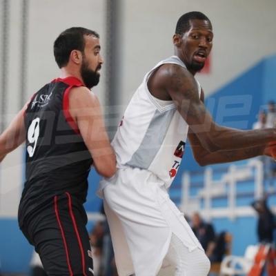 Basketball: demi-finale de la coupe: l'Etoile S.Radès (67-56) Etoile S.Sahel