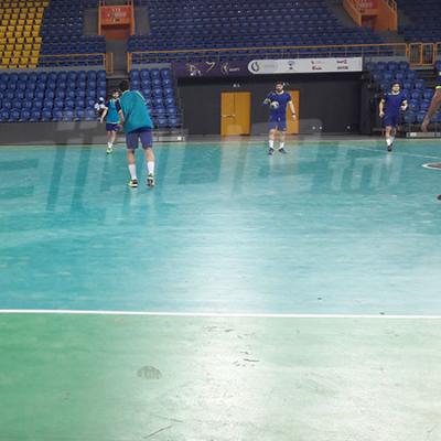 اول حصة تمارين لمنتخب كرة اليد في قصر الرياضة بليبروفيل