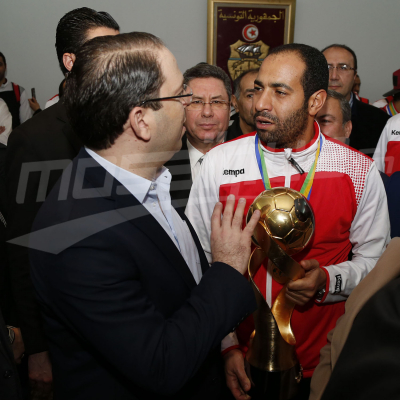 كرة اليد أبطال افريقيا يعودون إلى تونس والشاهد في الإستقبال