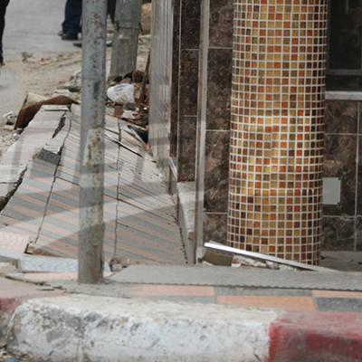 Un immeuble penche à la rue Garibaldi et provoque la fissure du trottoir