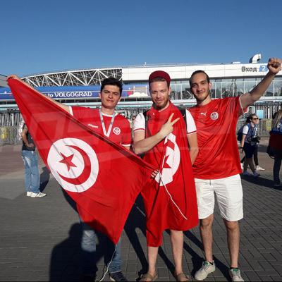 الجمهور التونسي حول ملعب فولغوغراد قبل المباراة