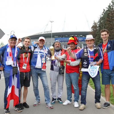 نصف نهائي المونديال : الجماهير الفرنسية في طريقها إلى الملعب