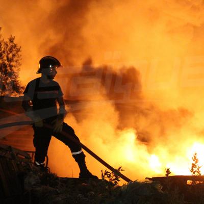 صور من داخل ألسنة لهب حريق حي الخضراء