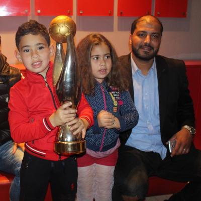 Le public de l'EST à MosaiqueFM pour une photo souvenir avec la Coupe !
