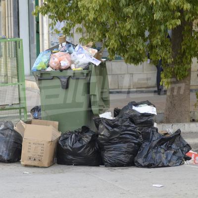 Tunis: des administrations fermées... et des ordures entassées dans les rues