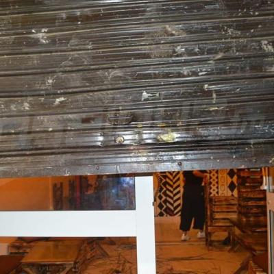 أثار حادثة الاعتداء على مقهى في رادس