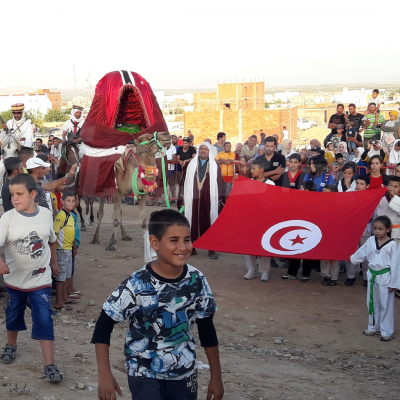 بئر الحفي: المهرجان الصيفي يتعهد باقامة حفل زفاف لمعوق و سهرات ليلية في الارياف