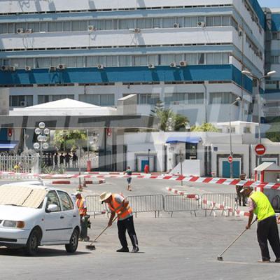 صور حية من أمام المستشفى العسكري
