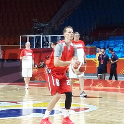 الحصة التدريبية الأولى للمنتخب الوطني لكرة السلة في الصين