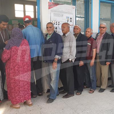 Les centres de vote accueillent les électeurs dans les différentes régions de la république