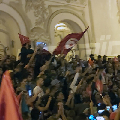 إحتفالات في شارع الحبيب بورقيبة