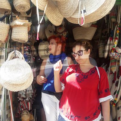 وكلاء أسفار وصحفيون في توزر للترويج للسياحة التونسية