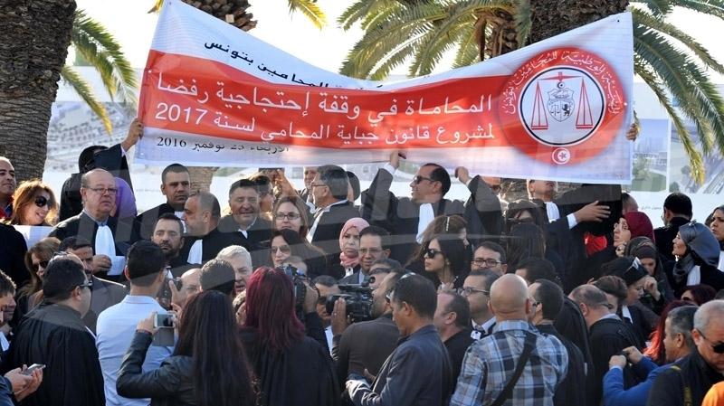 أمام مجلس النواب: المحامون غاضبون...