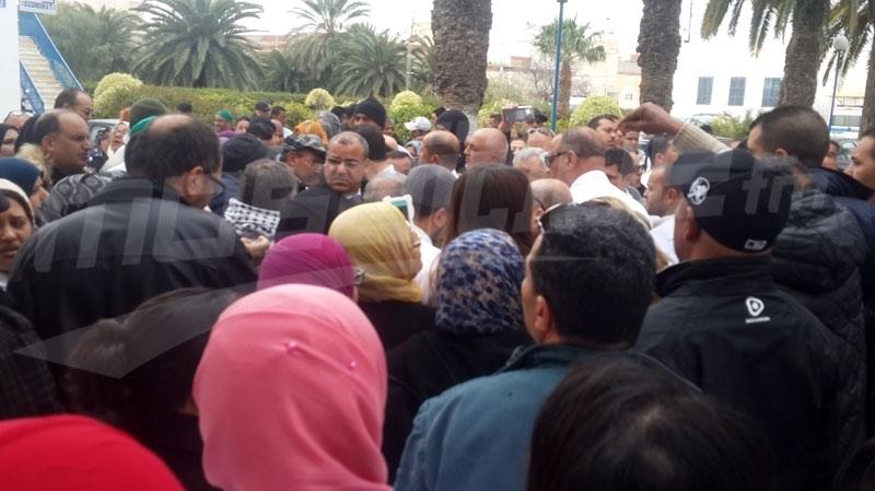 فوضى واحتقان بمستشفى القيروان  بعد وفاة سائق سيارة اسعاف