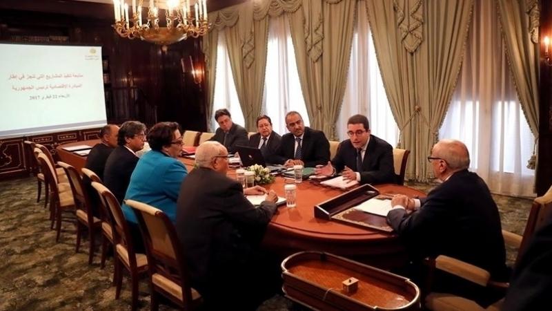 رئيس الجمهورية في اجتماع