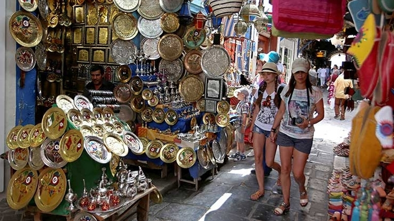تونس: توقعات بإرتفاع عدد السياح بنسبة  30% في 2017