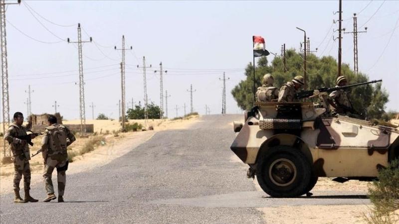 مصر: مقتل 10 جنود و15 ''تكفيريا'' في عملية مداهمة بسيناء