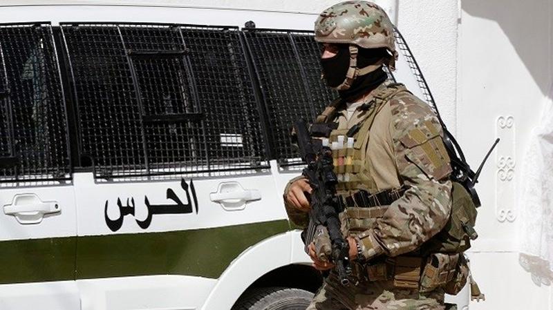القصرين: الاعتداء على 3 أعوان حرس وتهريب مفتش عنه في قضايا إرهابية