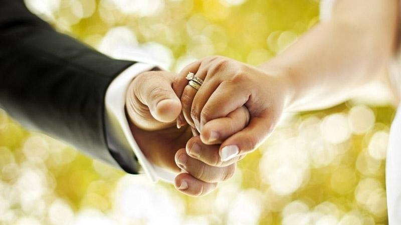 جمعيات تدعو إلى اتاحة زواج التونسيات بغير المسلمين