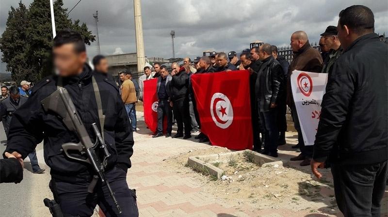 القصرين: أمنيون يحتجون على خلفية حادثة تلاتبت