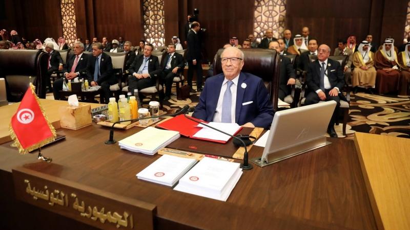 السبسي: تونس لن تدخر جهدا لمساعدة الليبيين