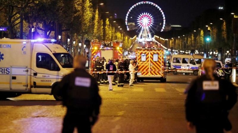 اعتداء الشانزيليزيه: مشتبه به ملاحق  يسلم نفسه للشرطة البلجيكية