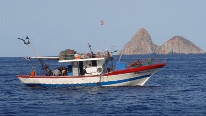 ميناء الكتف ببنقردان:فقدان مركب صيد على متنه 3 بحارة أصيلي المهدية