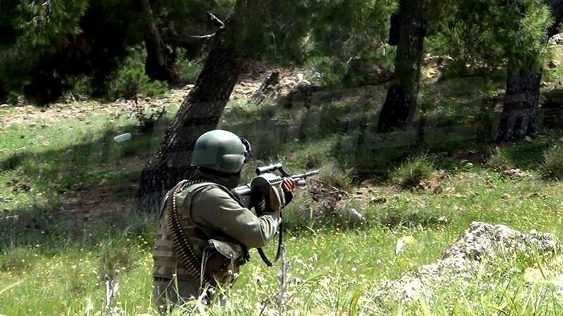 جبل سمامة:الجيش الوطني يصيب عناصر إرهابية و يحجز أسلحة