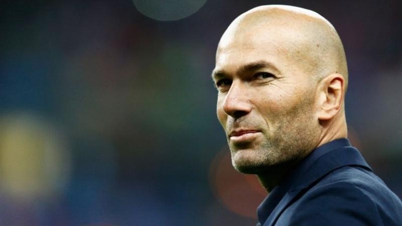 رئيس ريال مدريد: زيدان يستطيع البقاء مدى الحياة