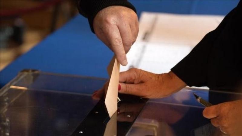 فرنسا: حزب ماكرون يتجه نحو الحصول على غالبية كبيرة في الجمعية الوطنية