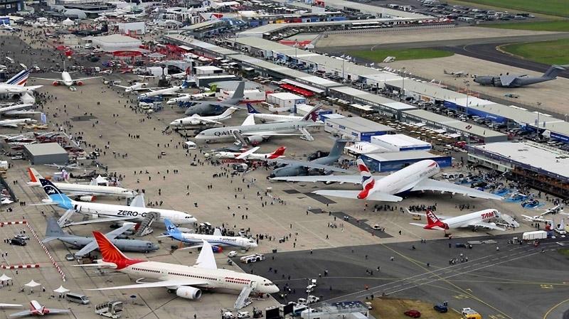 معرض طائرات