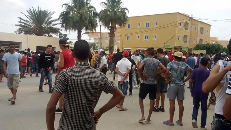 سيدي بوزيد:خلافات عروشية ومناوشات مع الأمن اثرجريمة قتل في سوق أسبوعية