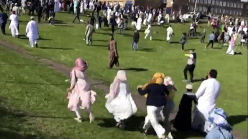 الشرطة البريطانية: حادث دهس المحتفلين بالعيد لا علاقة له بالإرهاب