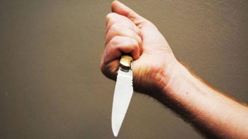 قتل والده طعنا بسكين بسبب خلاف عائلي !