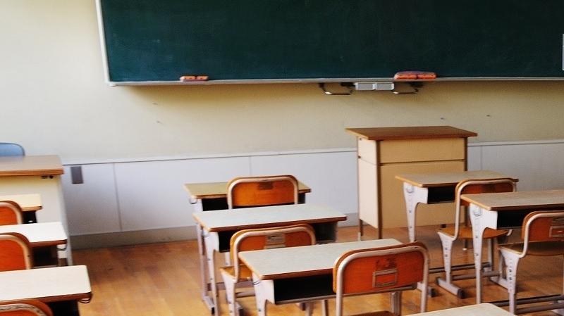 القصرين: سوء تصرف وشبهات فساد وراء اغلاق مدرسة ببولهيجات