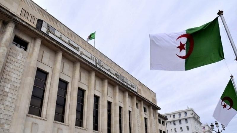 الجزائر: زيادة في أسعار الوقود وضريبة على الأغنياء وأخرى على السفر