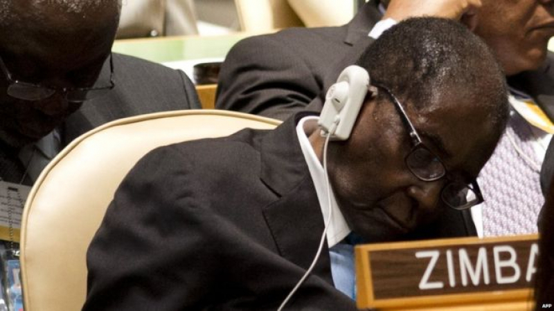 زيمبابوي : موغابي ''قيد الاقامة الجبرية''