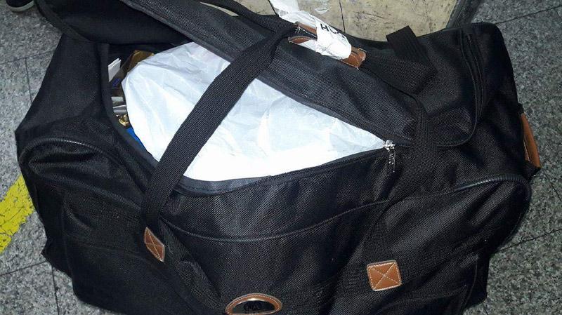 في مطار قرطاج : سرقة و عبث بأمتعة الوفد المرافق لوزير التجارة