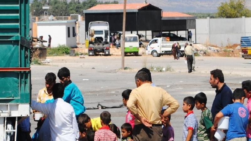 سوريون محاصرون يأكلون القمامة وعلف الحيوانات ويفقدون الوعي من الجوع