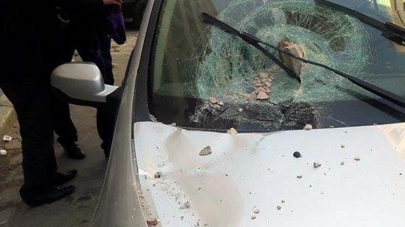جندوبة: تلميذان يحاولان الإعتداء على مدير مدرسة ويهشمان سيارته