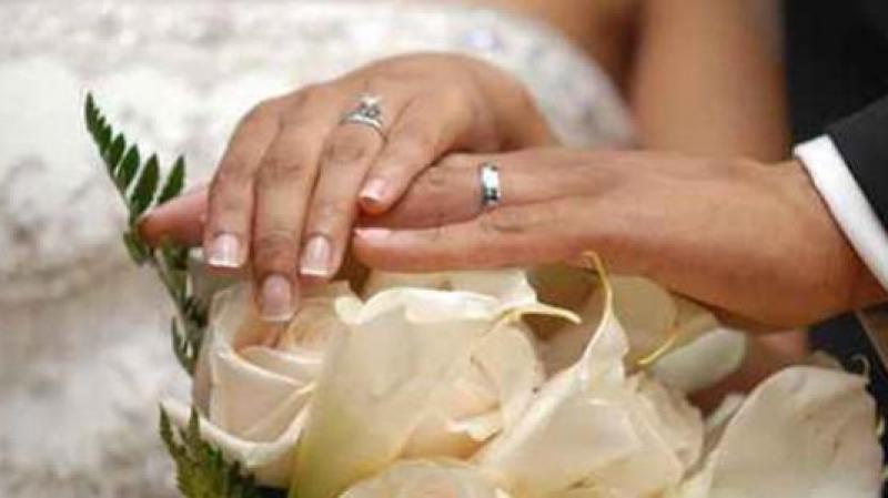 دراسة : تزوّجوا للوقاية من الخَرف..